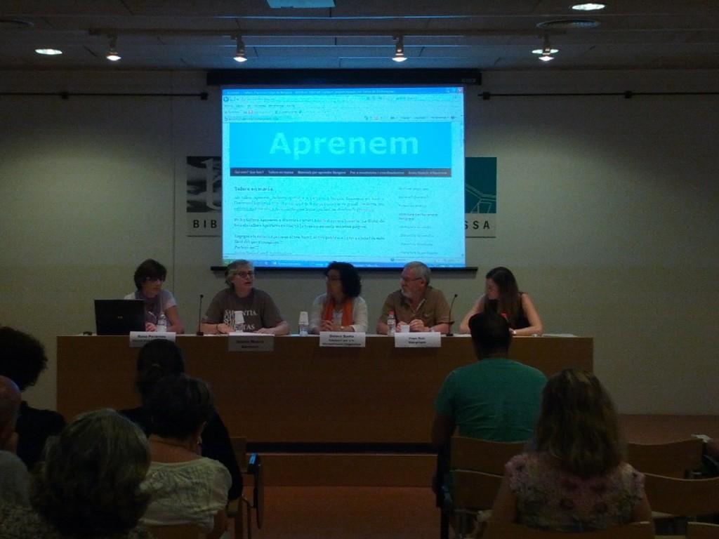 Taula rodona amb Aprenem a l'uBiCa'T Català, a Terrassa, foto de Carles Comellas